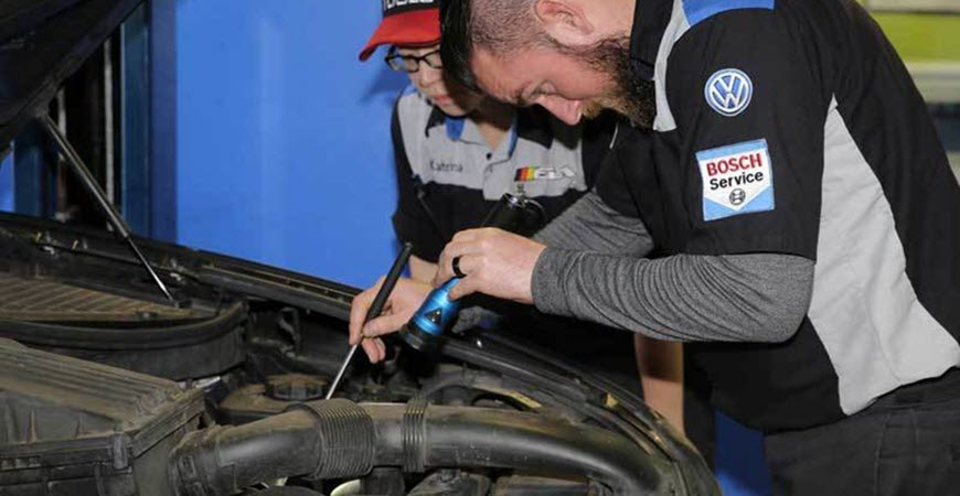 Signs Your Car Needs Transmission Service